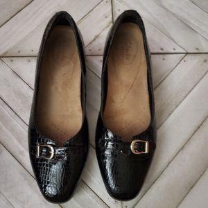 Clarks Size 10M Black Leather